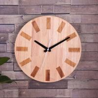 China Custom Hang On Wooden Clock Simple Round Shape for Home Decoration on sale